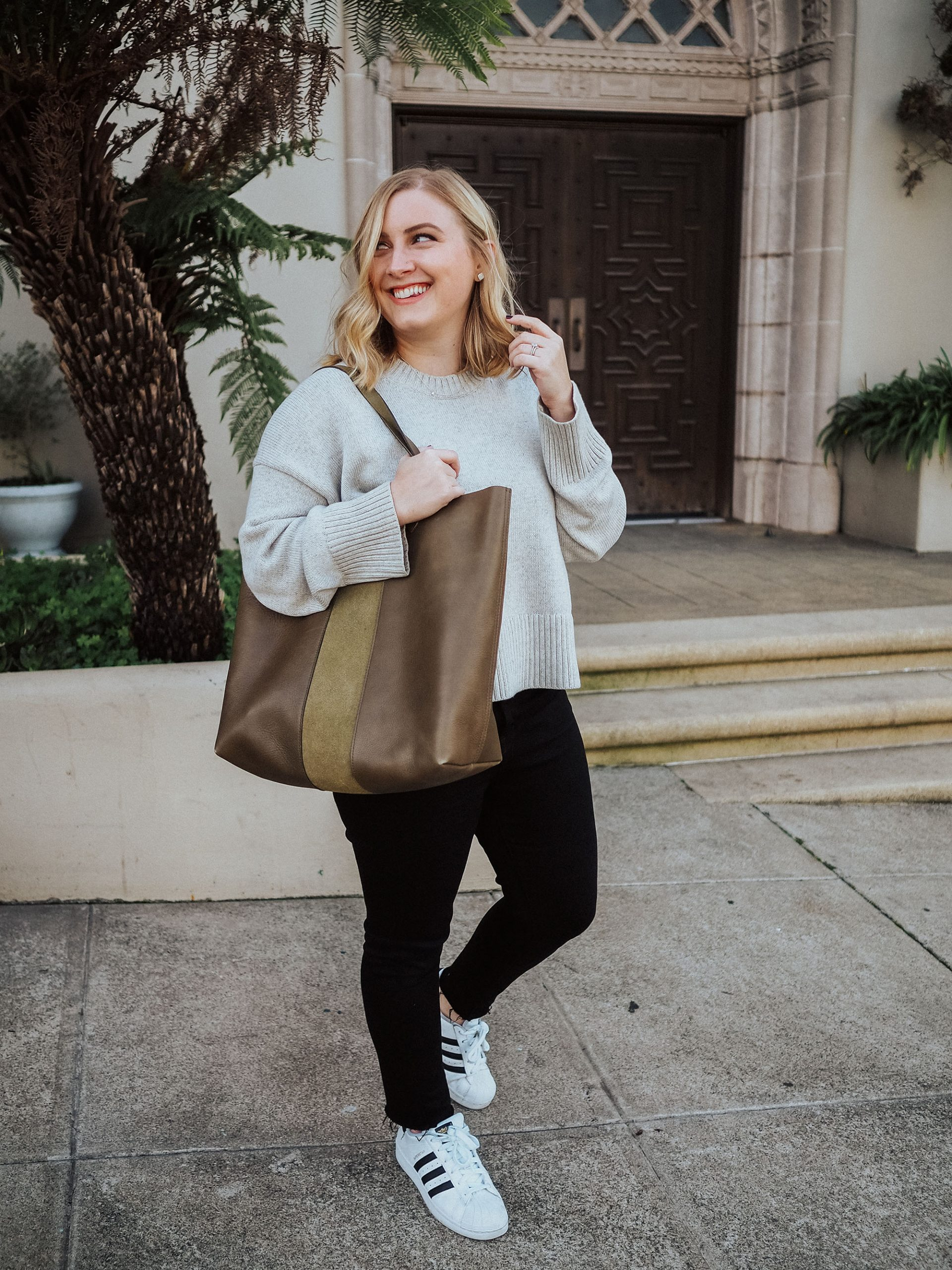 Curious which tote is better, the Cuyana, Everlane, or Madewell totes? This post is for you! Check out this full tote comparison blog post.